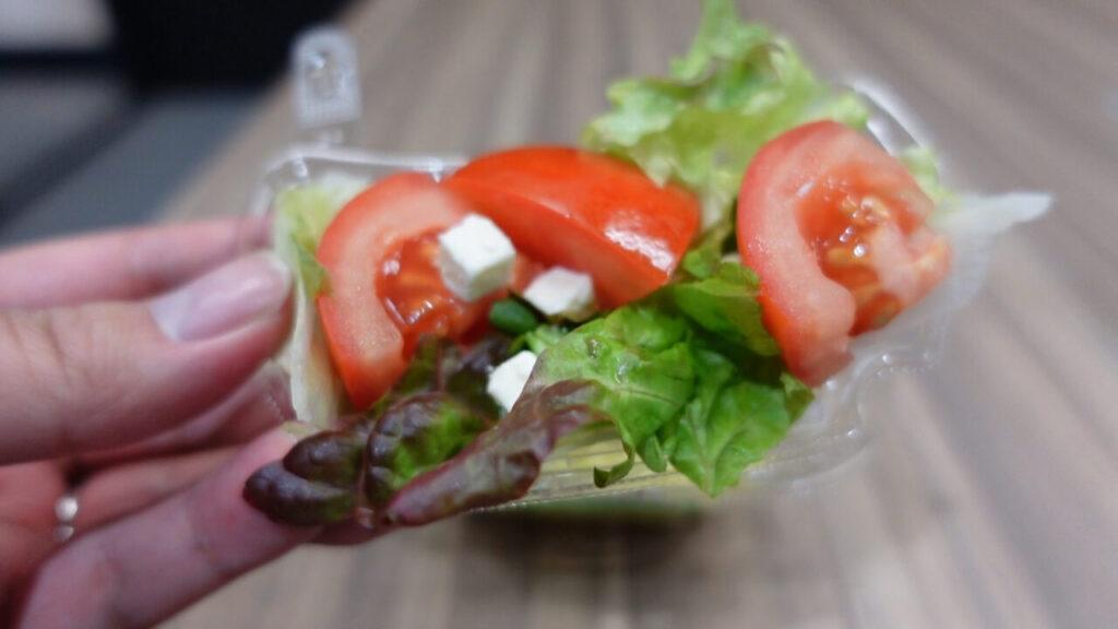 野菜は別皿のセパレートタイプ(画像)